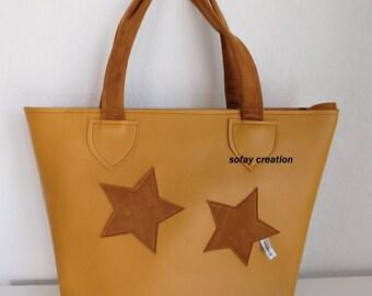 A hand tote bag