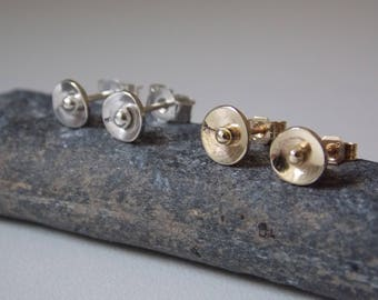 round ear studs made of 9k yellow gold or sterling silver
