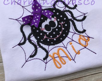 Halloween spider with bow top