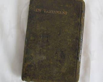 Leather bound New Testament / Pocket Testament League / 1930's bible