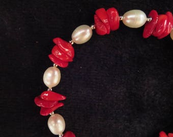"""vacation"" bracelet with coral beads"
