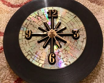 Crackle CD 45 RPM Vinyl Record Clock