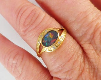 SALE Vibrant vintage black opal & diamond ring in 18 ct yellow gold, excellent condition