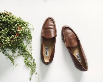 Vintage Leather Loafers // size 10