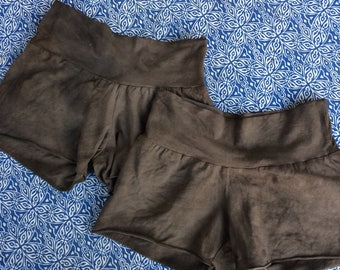 one pair of comfy shorts in ooak hue size xs-m