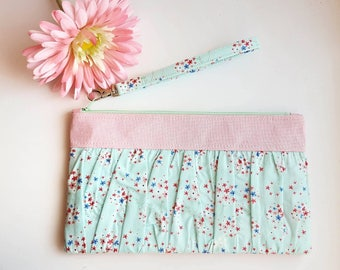 Sweet Imagination - Ruffled Wristlet/Clutch Bag