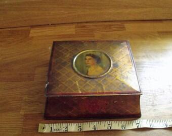 Queen Elizabeth II Biscuit tin coronation McVitie and Price 1953