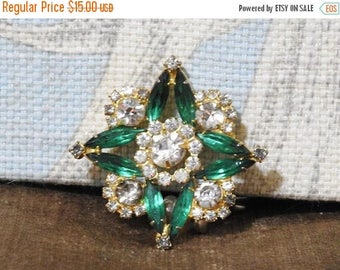 ON SALE stunning estate green and clear rhinestone starburst brooch