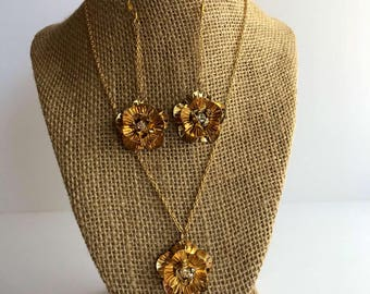 Gold Flower Necklace and Earring Set, Flower Jewelry Set, Gold Flower Jewelry Set
