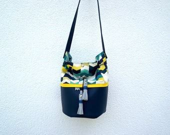 Purse from the graphic Blue, yellow