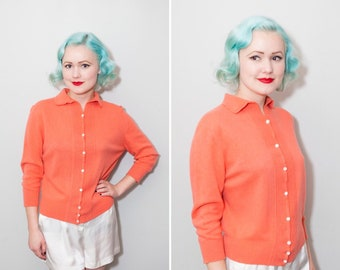 1950's Coral Pink Collared Cardigan | Size Medium