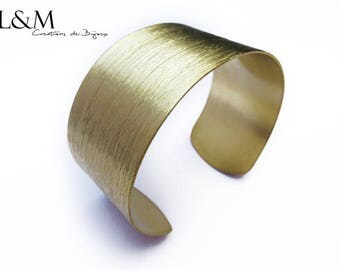 Golden brass bracelet