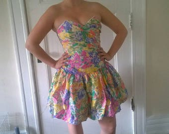 Flamboyant Floral 80s Dress
