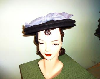 Original Vintage 1940s 40s Ladies Wool Felt Hat With Large Blue Bow Black Veil Netting Tilt Topper Dita Von Teese WW2 30s 1930s platter
