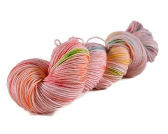 Sport Yarn, Merino yarn, sport weight yarn, superwash wool yarn, 100% Superwash Merino, rainbow yarn, speckled, pink, rainbow - Tickled Pink