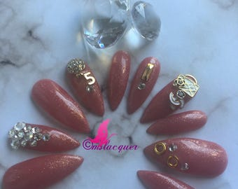 Press on mails, false nails, nails, chanel , stiletto nails , rose gold, stocking stuffers,Christmas , gifts , New Years