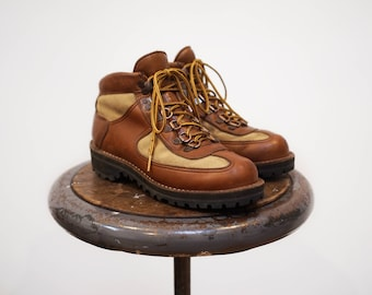 Vintage Danner Feather Light Hiking Boots Gore Tex Leather Men's 6.5 (25cm) / Women's 7.5 to 8  Vibram Soles ビンテージ ダナー フェザーライト