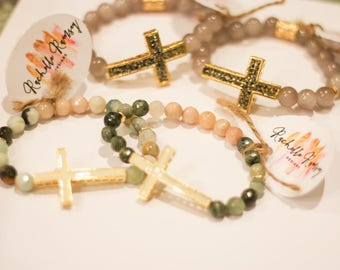 Beaded bracelet with cross accent