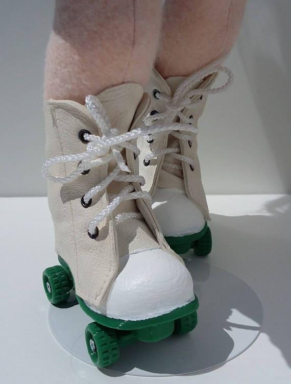 Roller skates for 18 inch doll