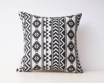 Aztec decorative pillow cover Tribal throw pillow covers Navajo pillow case Geometric cushion case Ethnic pillow cases Sofa home decor 18x18