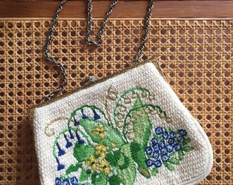 Vintage Cream Floral Embroidered Purse