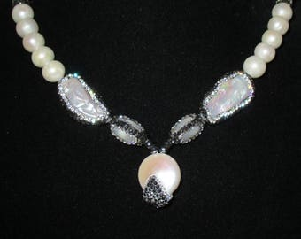 Gorgeous Fresh Water Pearl And Pave Rhinestone Necklace