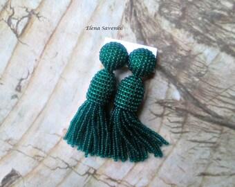 Emerald green color/beaded tassel/Short-tassel/oscar de la renta/clip on earrings/beading dangle earring/Earrings with sterling SILVER stud
