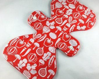 "Veggies - Red - 9.5"" inch - 2L- Reusable Cloth Pad"