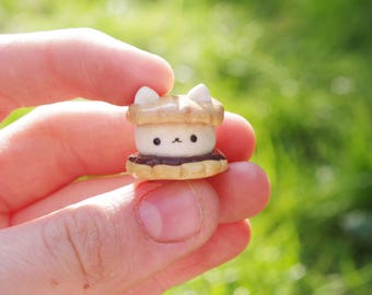 Cute, handmade, polymer clay, cat s'more figure