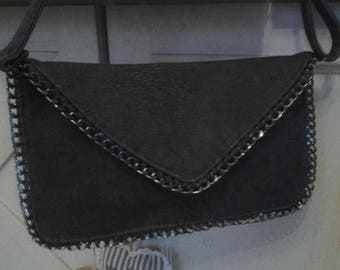 Small satchel shoulder bag with chain