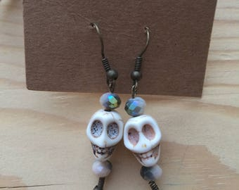 "Jewelry - ""SKULL CANDY"" earrings / boucles d'oreilles / skull beads / perles tête de mort"