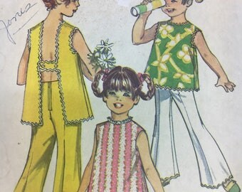 Simplicity 8170 sz 12 1960s girl's sleeveless summer top and shorts/pants sewing pattern. Cut but complete!
