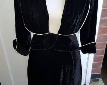 1940s Black Velvet 3 Quarter Arm Suit with White Piping