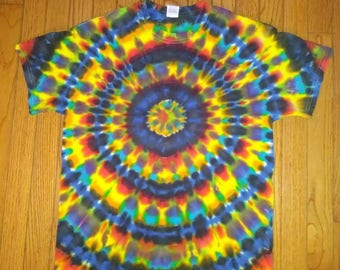 Med. Bullseye tie dye t-shirt