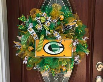 Green Bay packers wreath, Green Bay packers door decor, NFL wreath, NFL decor, football wreath, football decor,outdoor wreath, packer fan