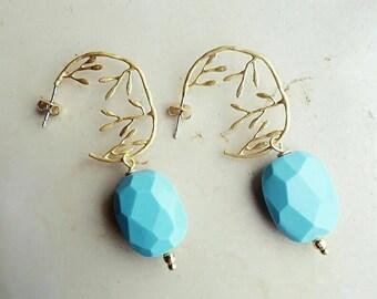 Turquoise earrings, flower earrings, turquoise jewelry, wife earrings gift, everyday earrings, dainty earrings, dangle earrings, mum gift
