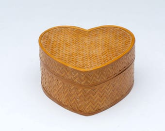 Vintage jewelry boxes, heart shaped box, bamboo box, bamboo jewelry box, trinket boxes, jewellery box, earring box,
