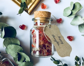 Bohemian wedding favors, 25 glass bottles, cork top, personalised tag, sweet sugar hard candy, heart pieces, romantic gift for guests
