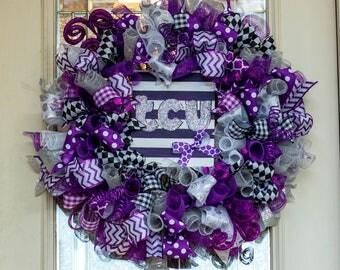 TCU Wreath, Texas Christian University, TCU horned frogs, college wreath, TCU alumni, tcu graduation, deco mesh wreath for front door, frogs
