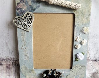 "Shabby vintage ""Crazy gray"" picture frame"