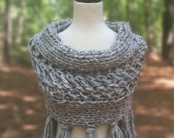 The Covington Cowl, Chunky Crochet Cowl, Chunk Knit Cowl, Cowl with Tassels, Toddler Cowl, Childrens Cowl, Womens Tassle Cowl, Chunky Scarf