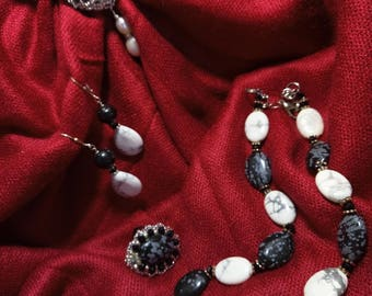 Obsidian jewelry set snow and kaholonga.