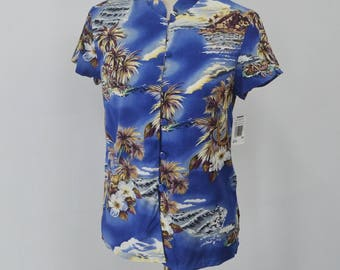 THE HAWAIIAN Vintage The Hawaiian Original Made In Hawaii 100% Rayon Mandarin Collar Button Down Hawaiian Shirt Size XS