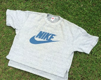 Vtg 90 Nike warm up t shirt