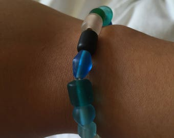 Multicoloured glass bead stretchy bracelet