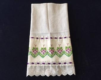 Kitchen Towel with a Grape Vine Design - Purple Trim