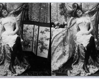 Original stereoview RISQUE VICTORIAN woman erotik erotique femme Real Photo stereoscopic card