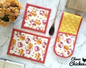 Kitchen Set - Double Oven Glove / Oven Mitt and Hot Pads -  Flowers, Floral Housewarming Gift, Birthday Gift Mom, Kitchen Accessories Decor