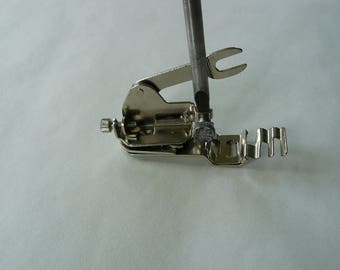 Vintage Zig Zag Singer Sewing Foot No.99K, Low Shank, Craft, Part, Stitch, 99K