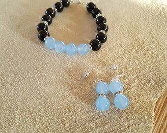 Bracelet with obsidian and calcedoon beads/crystals and earrings